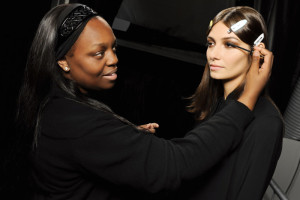 pat-mcgrath-backstage-at-roberto-cavalli-ss15-glamour-extensions-mascara-application-700x466